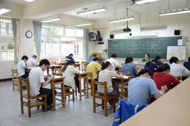 佐級學歷不拘 起薪3萬3 全選擇題短期衝刺效率最高